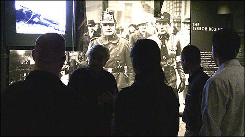 New FBI agents tour Holocaust Memorial Museum