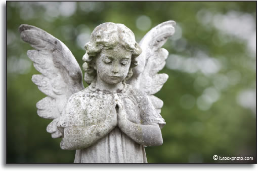 Statue of a praying angel.